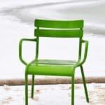 Des chaises au couleur british pour donner du style à votre terrasse