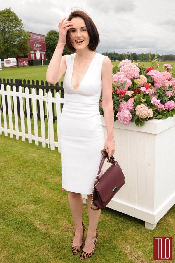 Michelle Dockery adopte sa robe blanche sexy à la compétition de polo du Cartier Queen's Cup Final