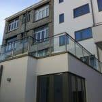 La balustrade vitrée: l'atout esthétique de votre maison!