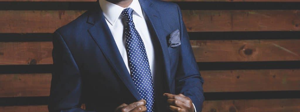 Le costume pour homme se porte selon l occasion ! - Annonces France 76b234da37e