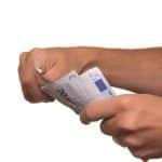 Baisser ses mensualités grâce au regroupement de crédit