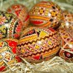 Guide pour une chasse aux œufs de Pâques en intérieur