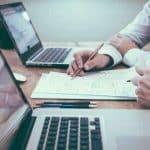 Que trouve-t-on dans un bureau partagé en coworking ?