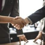 Est-il possible de négocier les frais d'agence ?