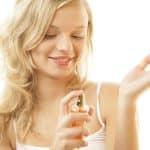 Les femmes ont une arme pour séduire : leur parfum !